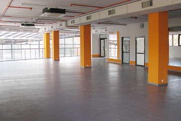 зал в фитнес центре